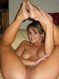 Femme qui gicle de la chatte en se masturbant - video